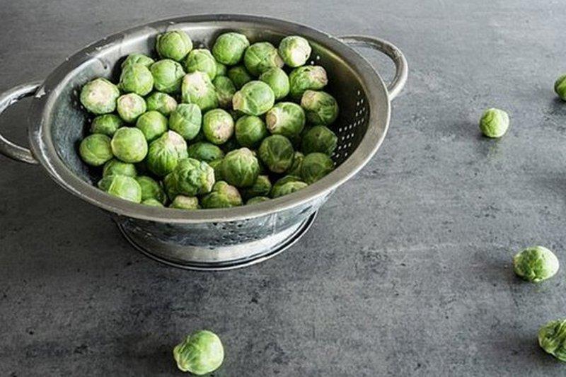 Брюссельская капуста является популярным и очень полезным для здоровья гарниром.