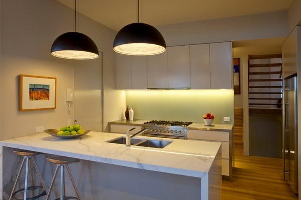 Освещение кухни – где, как и чем?