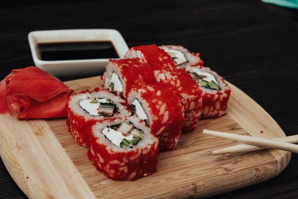 Заказываем суши во Львове